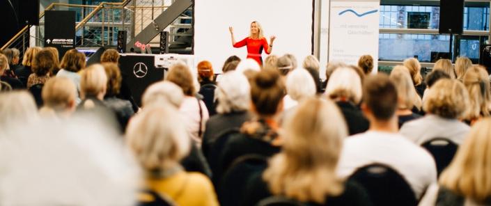 Keynote, Vortrag, Rede, Motivation, Event, Ted-Talk, Tedx, Motivation, Glück, Skandinavien, Team, Maike van den Boom